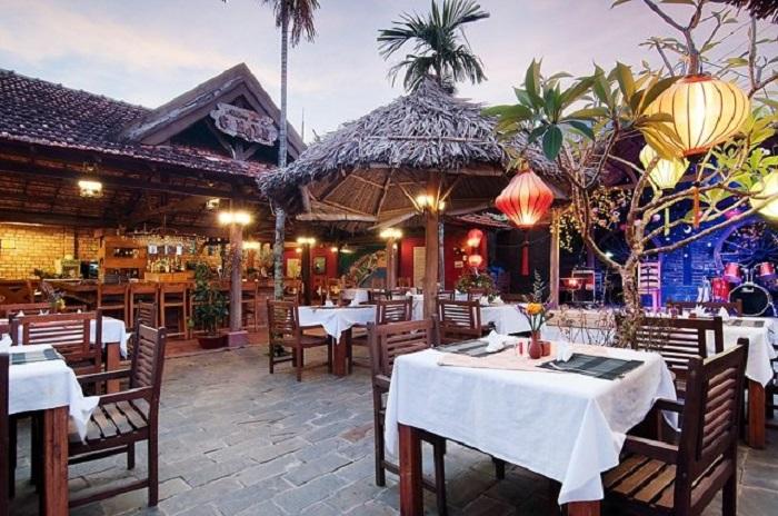 Khuôn viên nhà hàng Trùng Dương Phú Quốc