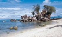 Du lịch Phú Quốc – cầu phúc tại mũi đá Dinh Cậu