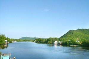 Núi Hàm Ninh