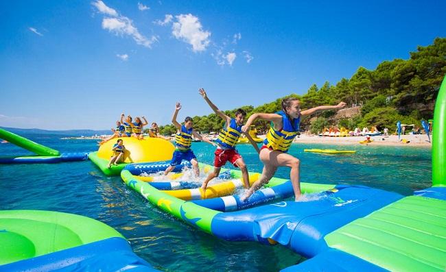 Khám phá khu vui chơi dưới nước lớn nhất tại Cô Tô